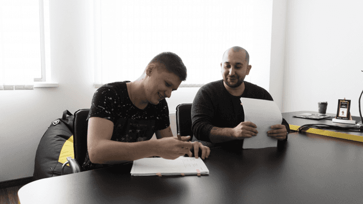 Na`Vi reach two-year contract extension agreements with trio