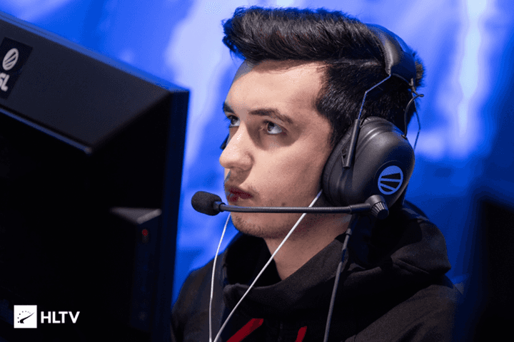 mousesports hold talks for woxic, frozen and karrigan